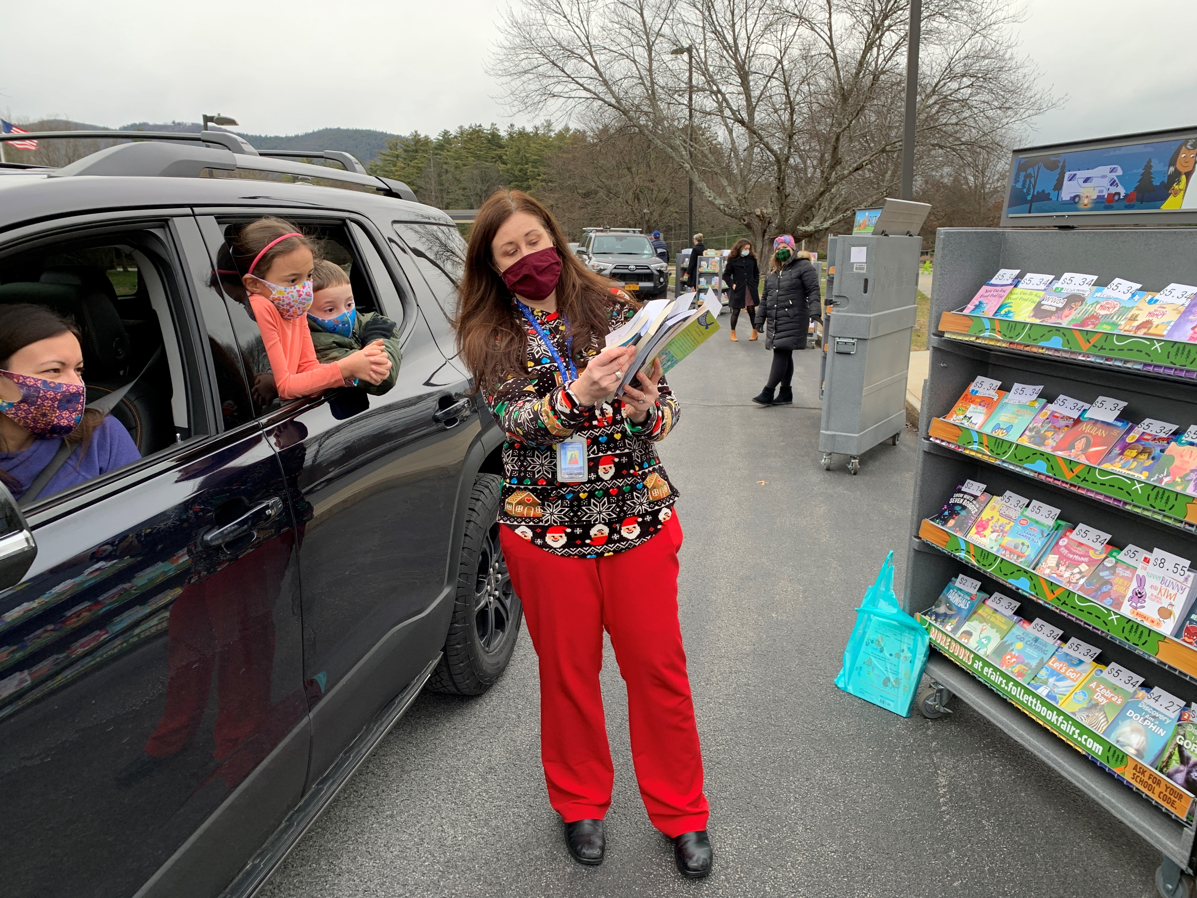 School Librarians Get Creative To Hold Book Fairs Despite Pandemic Restrictions
